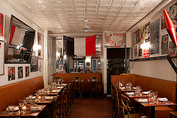 east-river-seafood-le-parisien-interior